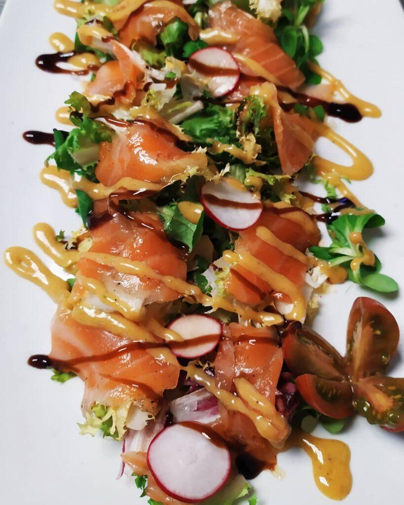 Ensalada de ahumados - Restaurante Lusitano - Lobios
